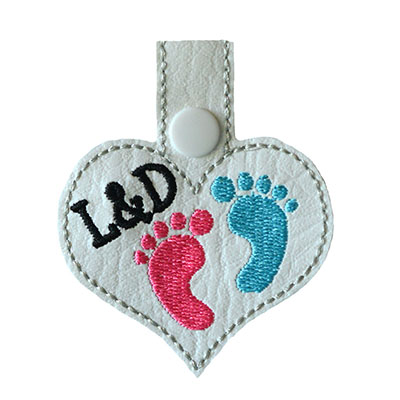 Snap Tab L & D Baby Feet Heart Embroidery File